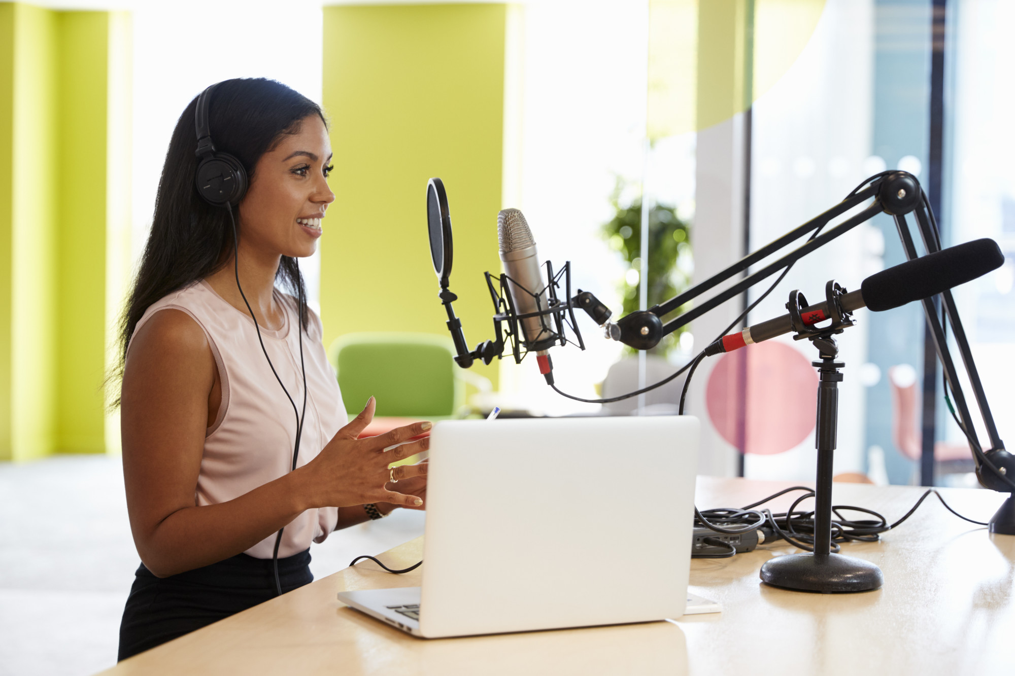 How to Start a Successful Podcast: A Platform for Sharing Your Expertise